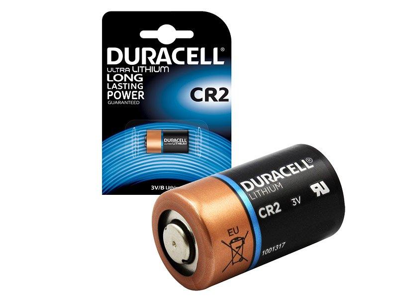 Wird in Packungen mit 2 CR2-Batterien verkauft